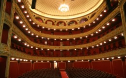 Municipal Theatre: the jewel of Piraeus